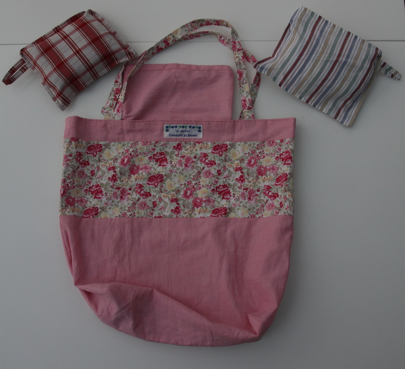 Shopping bag made from recycled fabric