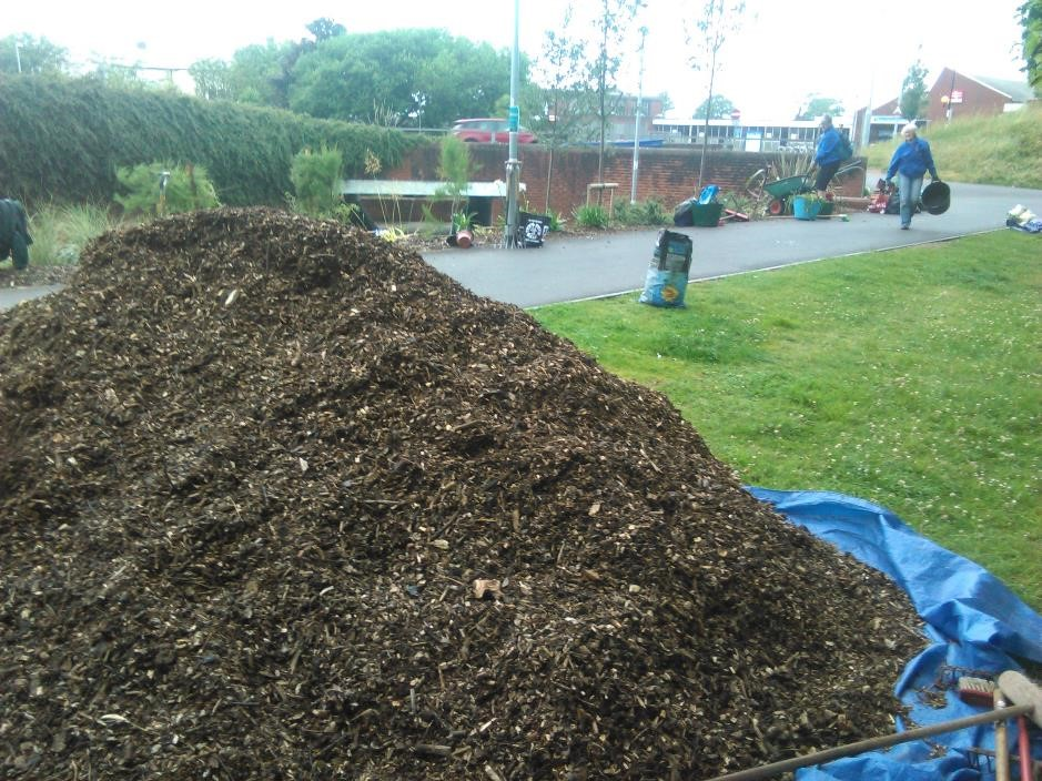 Mulch for underpass bed