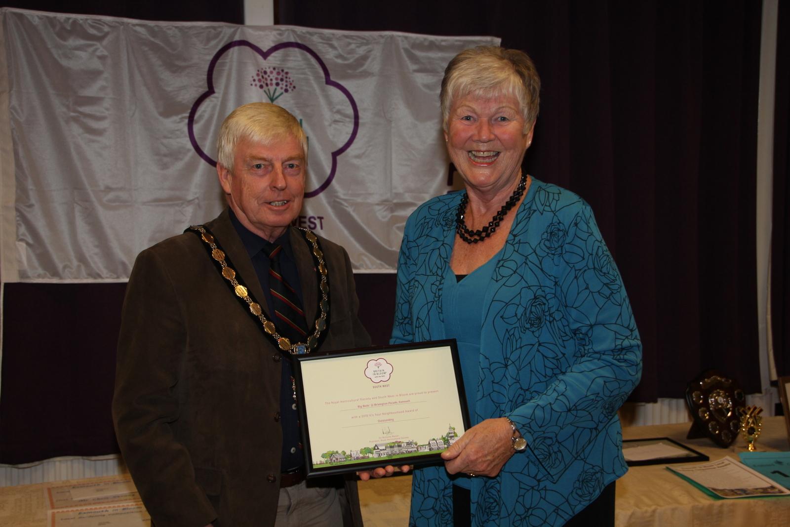 Marion Drew with 'outstanding' Neighbourhood award for Big Beds @ Brixington